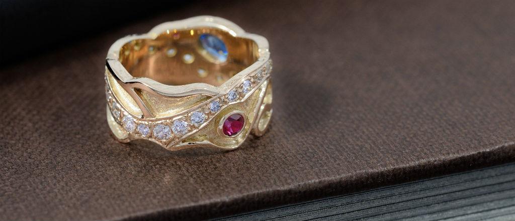 The Goldsmithy 9ct Yellow Gold Multi Diamond Saphhire and Ruby Wedding Ring